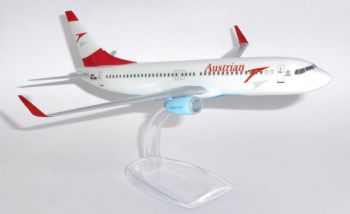Boeing 737-800 Austrian Airlines Snap Fit Collectors Model Scale 1:200 p